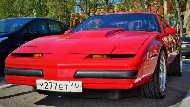 Pontiac Firebird (3rd generation). Взял тут: drive2.ru/r/pontiac/4899916394579102798/