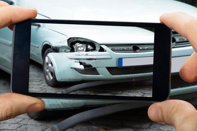 Сфотографируйте крупным планом повреждения ТС в результате аварии