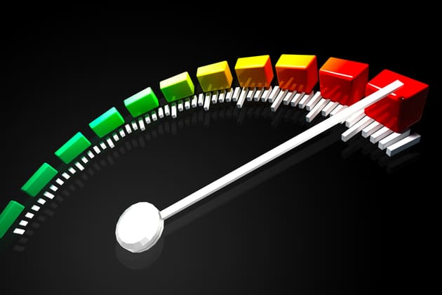 Стрелка спидометра на максимальной отметки